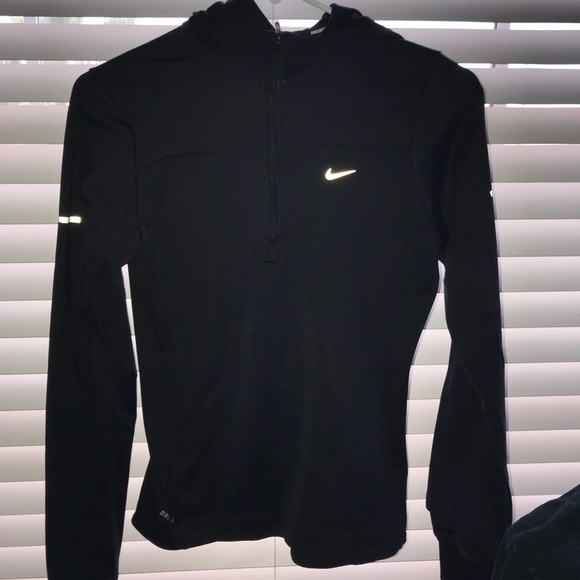 the latest f88b3 48042 Nike fitted workout jacket. M 5b7b36d0e9ec89288a62fa30